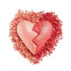 I Heart Revolution Heartbreakers Shimmer Blush Strong pudrowy róż 10 g